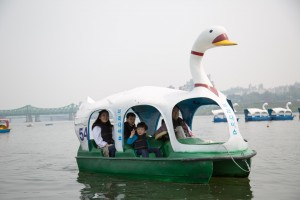 Family enjoying the Duck Boats