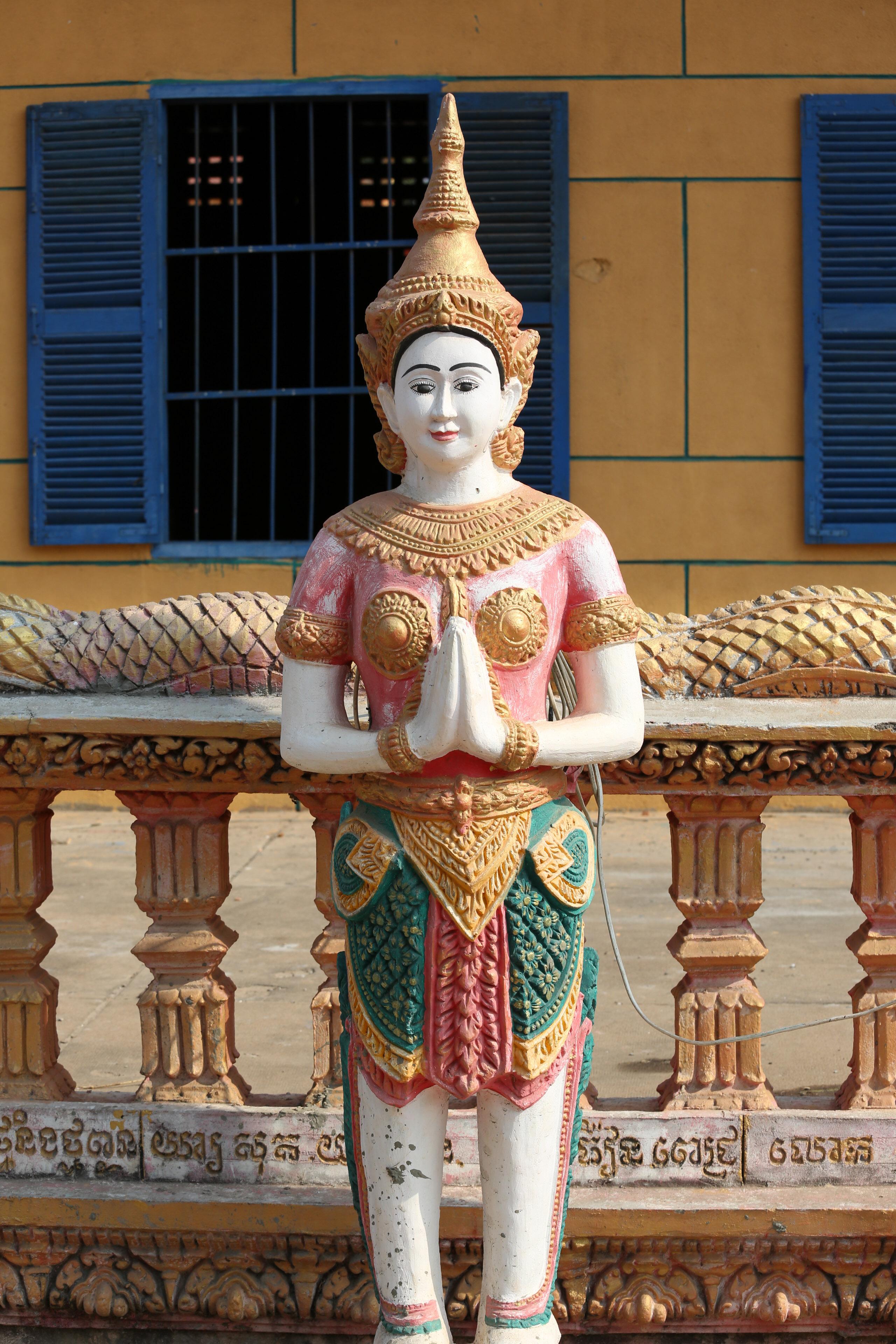 Aspara Statue-1