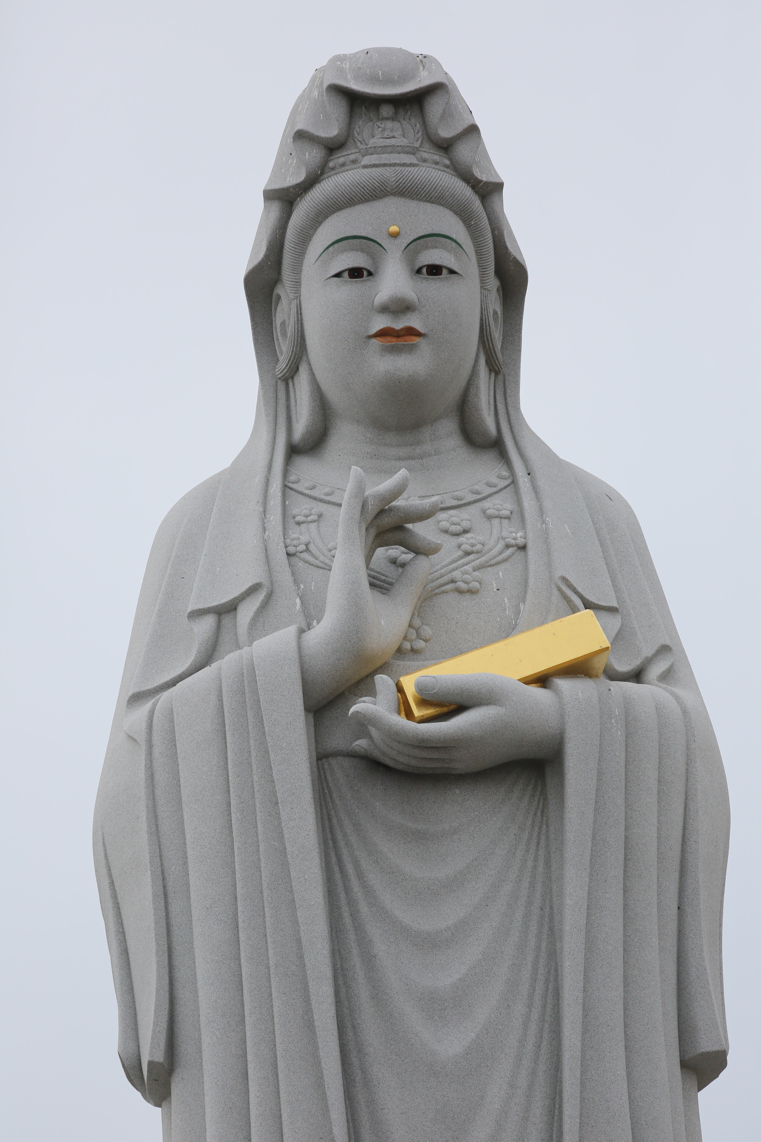 Bar of gold statue-1