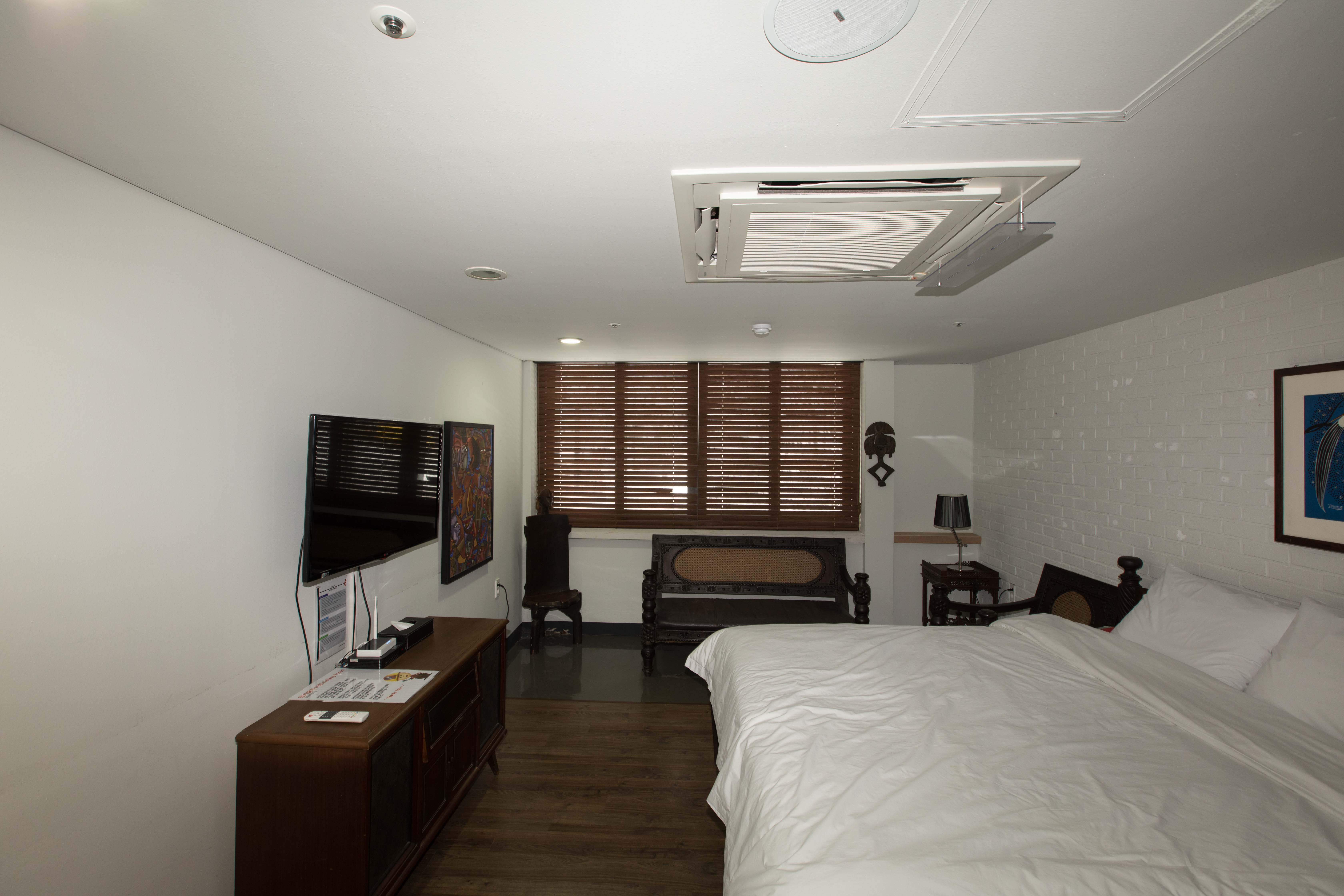 Out and about in korea samtan art mine brent 39 s world for African themed bedroom ideas